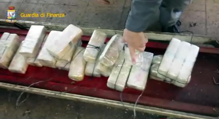 'Ndrangheta, traffico di droga dal Sudamerica: 19 arresti e 300 chili di cocaina sequestrata