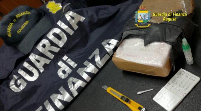 Signora  insospettabile arrestata a Pozzallo con un chilo di  cocaina