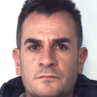 Catania, oltre 300 grammi di droga e una pistola: arrestato