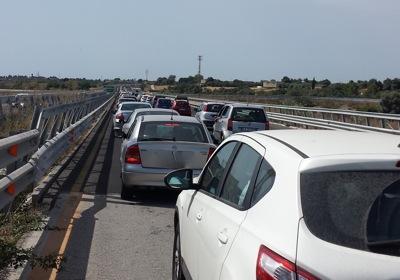 Veicolo ribaltato in galleria, traffico tra Augusta e Siracusa