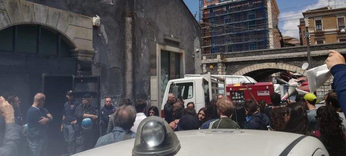 Catania, banca si riprende i locali di un Centro sociale