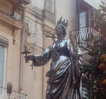 Siracusa celebra Santa Lucia: la patrona rientra in cattedrale