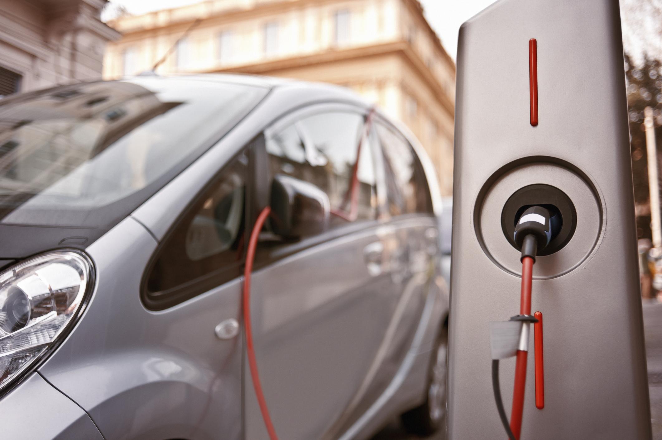 Presto ad Augusta una stazione per ricaricare le auto elettriche