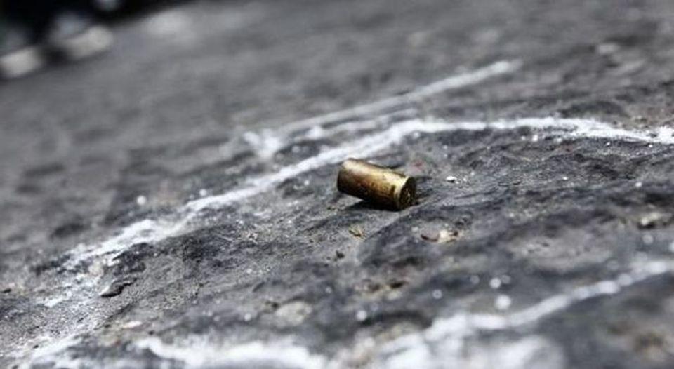 Colpi d'arma da fuoco nella notte contro un condominio nel Napoletano