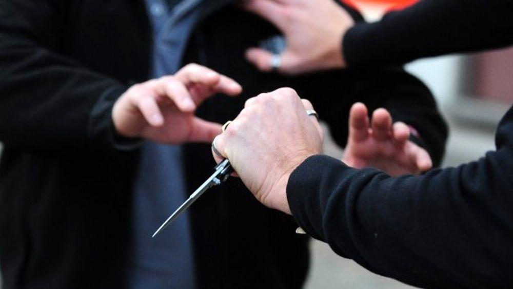 Rapina a mano armata a Priolo, scappa col bottino di 400 euro