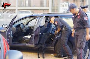 Comiso, un arresto e una denuncia per spaccio