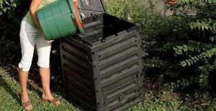 Modica, l'ufficio ecologia consegna 500 compostiere a chi ne ha fatto richiesta