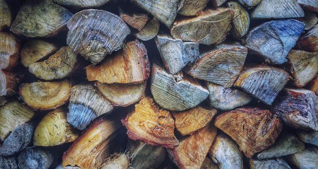 Compra 3000 euro di legna con un bonifico falso, denuncia ad Avola