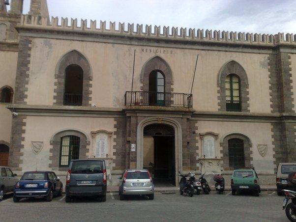 Non risponde a istanza di una cittadina, Comune di Lipari condannato a pagare