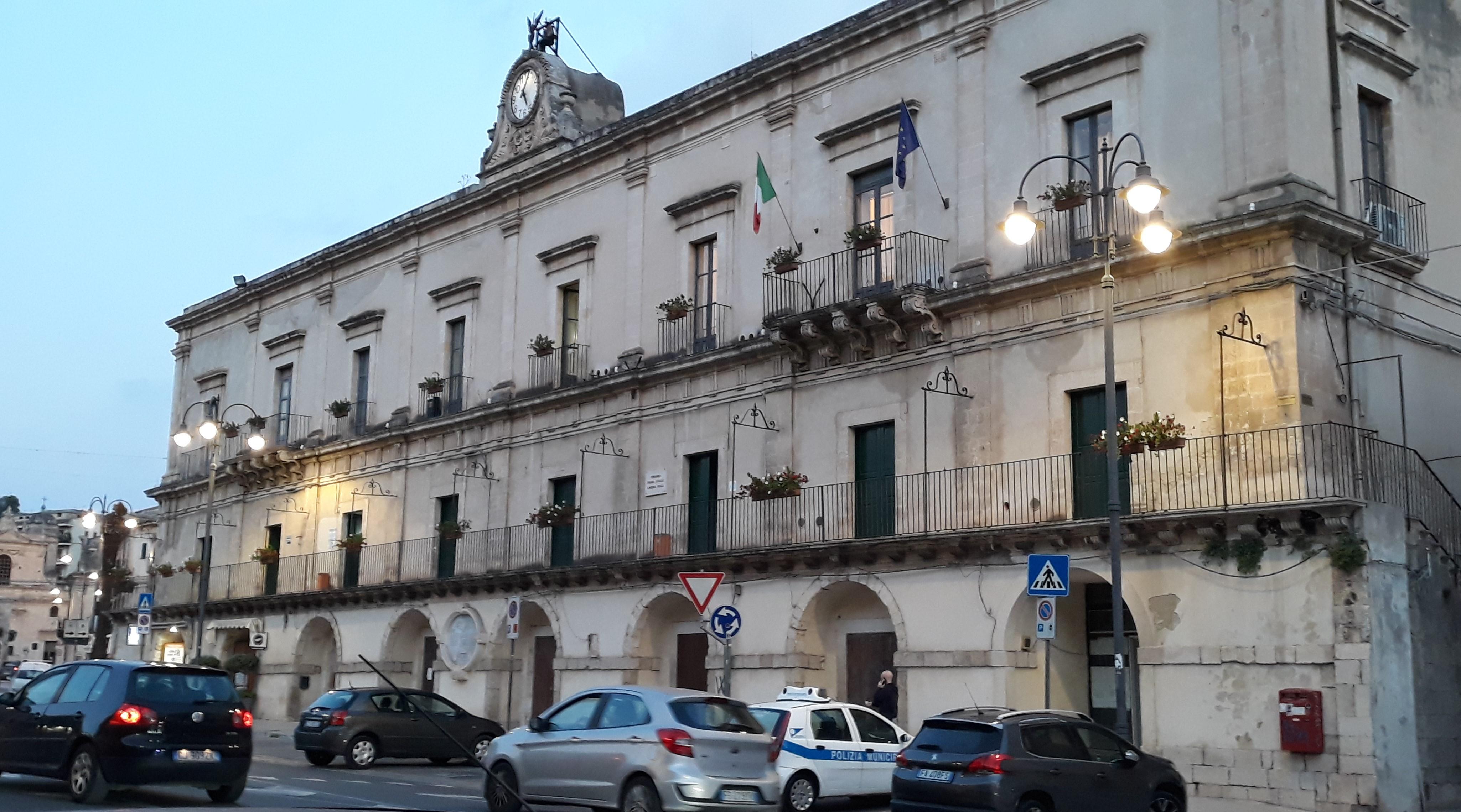 Modica, contributo comunale sugli affitti anche per i bar del centro storico: in arrivo esenzione Tosap