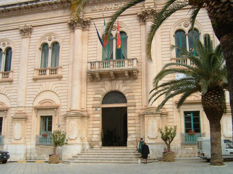 Scicli, l'opposizione chiede convocazione urgente del Consiglio comunale