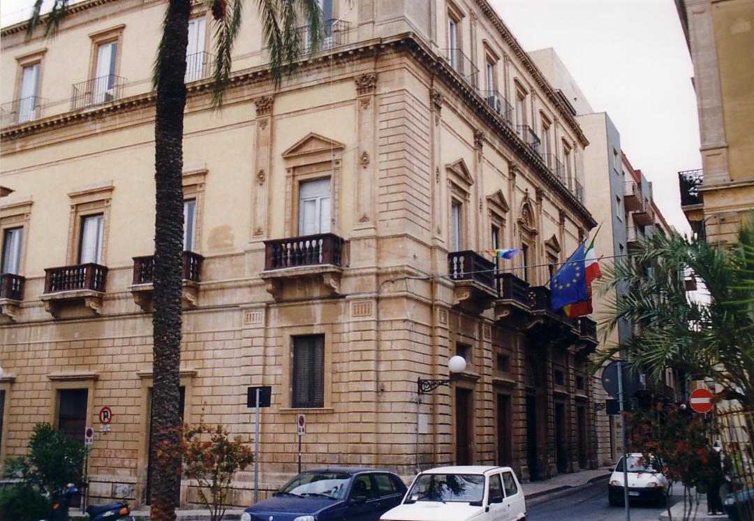 Vittoria, giunta approva mutuo di 850mila euro per pavimentazione stradale