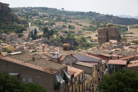 Comuni sciolti per mafia, 21 ottobre al voto anche Corleone e Palazzo Adriano