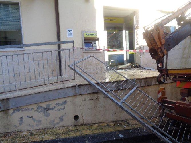 Commando ruba il bancomat dell'ufficio postale di Giarratana
