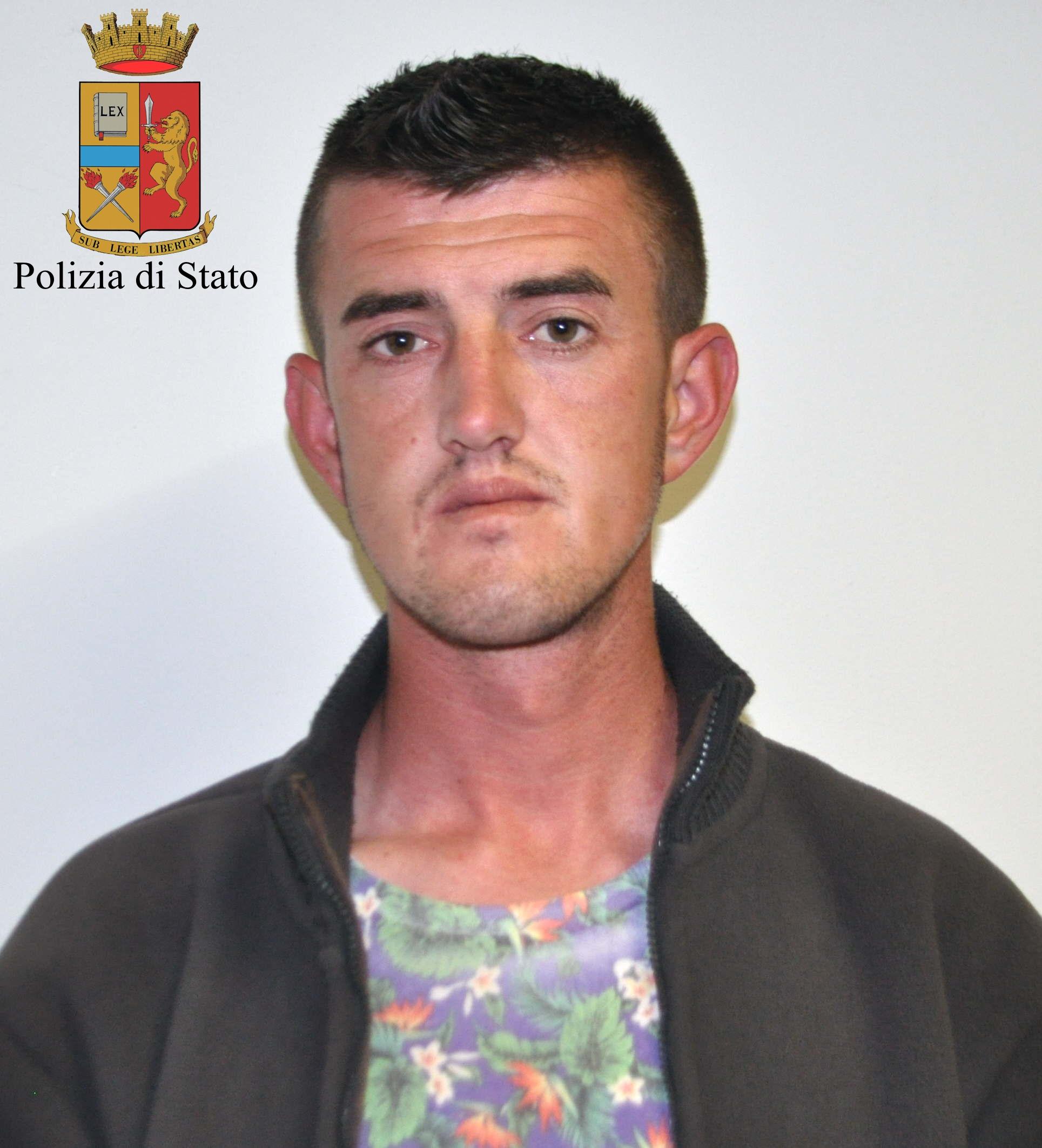 Comiso, voleva partire per Londra con documenti falsi: arrestato albanese