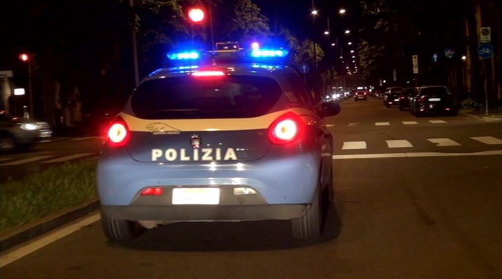 Con un coltello aggredisce una prostituta, arrestato a Catania