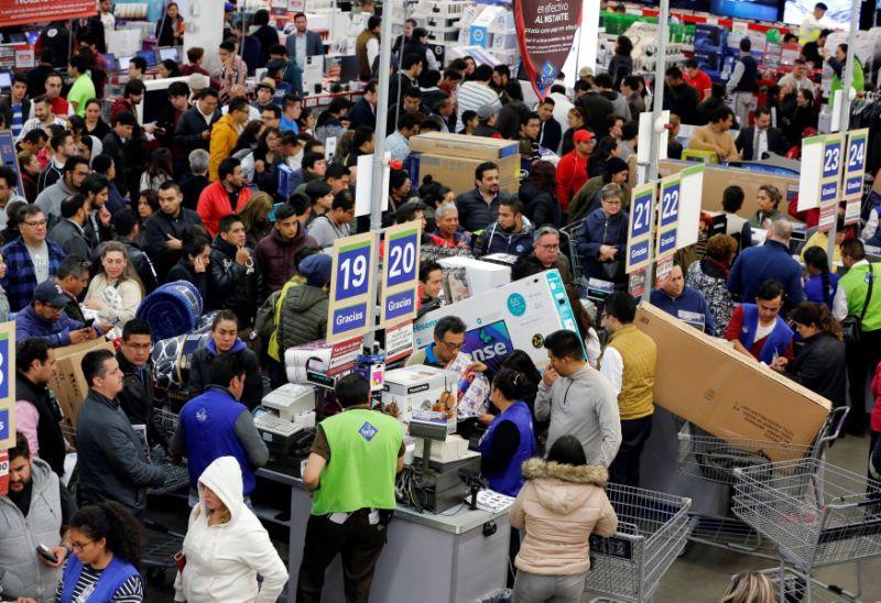 """Confcommercio: """"Un consumatore su tre ha acquistato con il Black friday"""""""