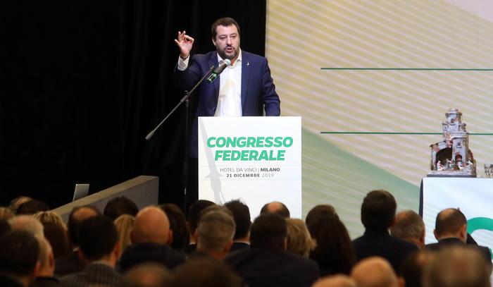 """Gregoretti, Salvini  al congresso della Lega: """"Autodenunciamoci tutti"""""""