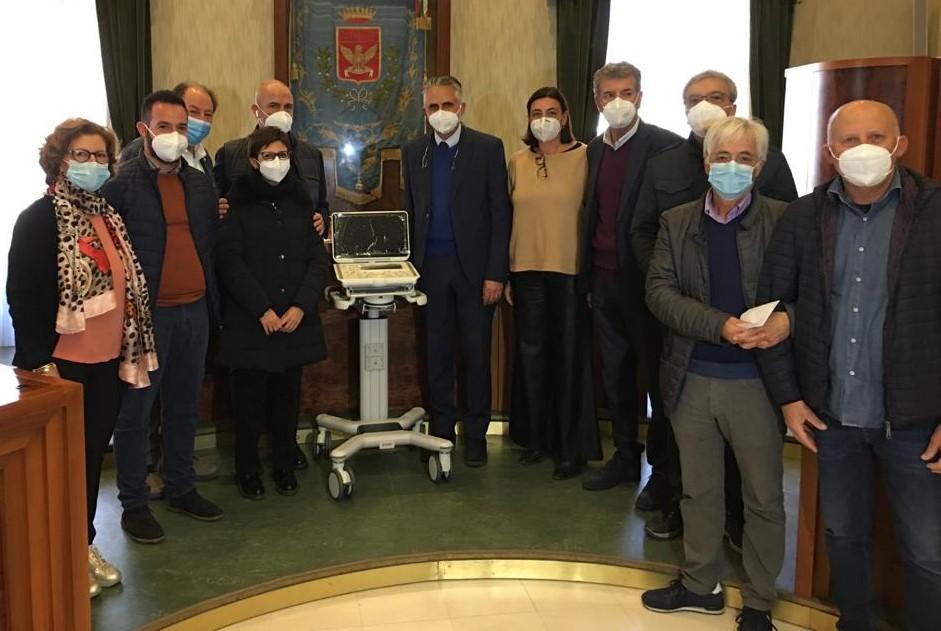 Modica, consegnato all'ospedale Maggiore l'ecocardiografo comprato con le donazioni dei cittadini
