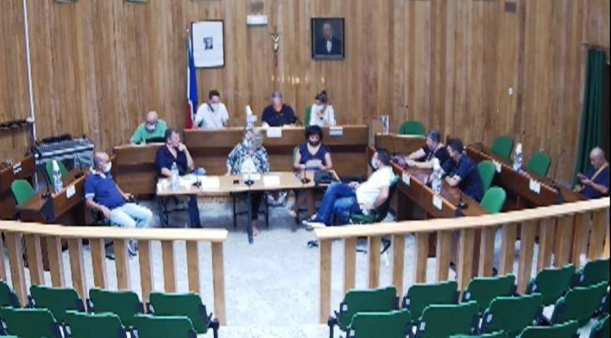 Canicattini, sì del Consiglio comunale ai piani finanziari con i soli voti della maggioranza