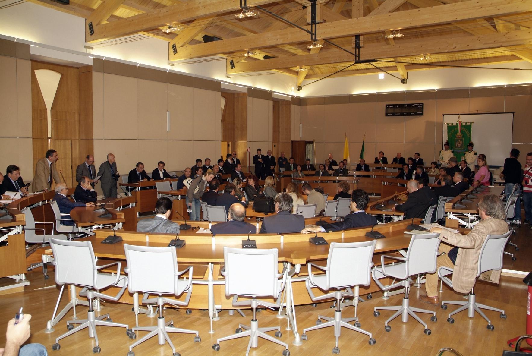 Siracusa, il Consiglio comunale approva i debiti fuori bilancio