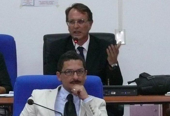 Pachino, 4 consiglieri di opposizione: spariti i soldi dei tributi, beffa ai cittadini