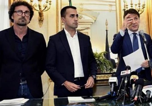 Diciotti, il tribunale di Catania archivia per Di Maio, Conte e Toninelli