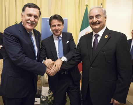 Libia: in corso a Palermo l'incontro tra Conte, Sarraj e Haftar