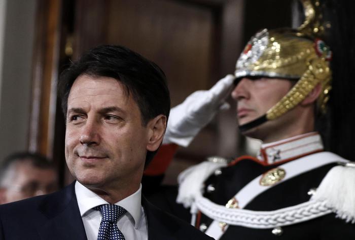 Governo, incarico a Conte: sarò avvocato difensore dell'Italia