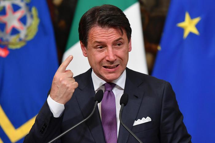 """Ultimatum di Conte a Lega e 5 Stelle: """"O lavoriamo o rimetto il mandato"""""""