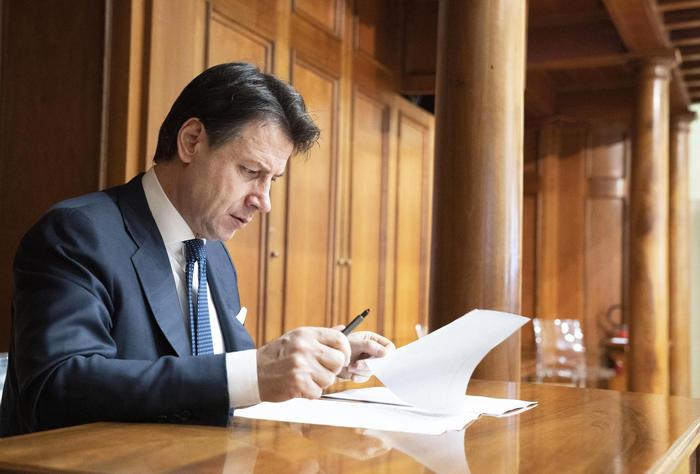 Coronavirus, il premier Conte convoca un vertice a Palazzo Chigi