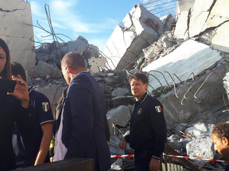 Crollo a Genova, governo contro Autostrade: concessione in bilico
