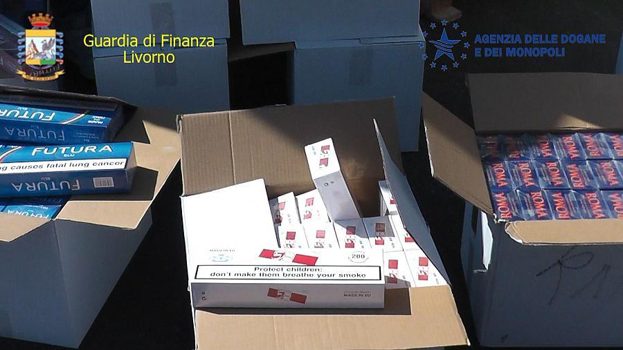 Contrabbando, sequestrati a Livorno novemila chili di sigarette