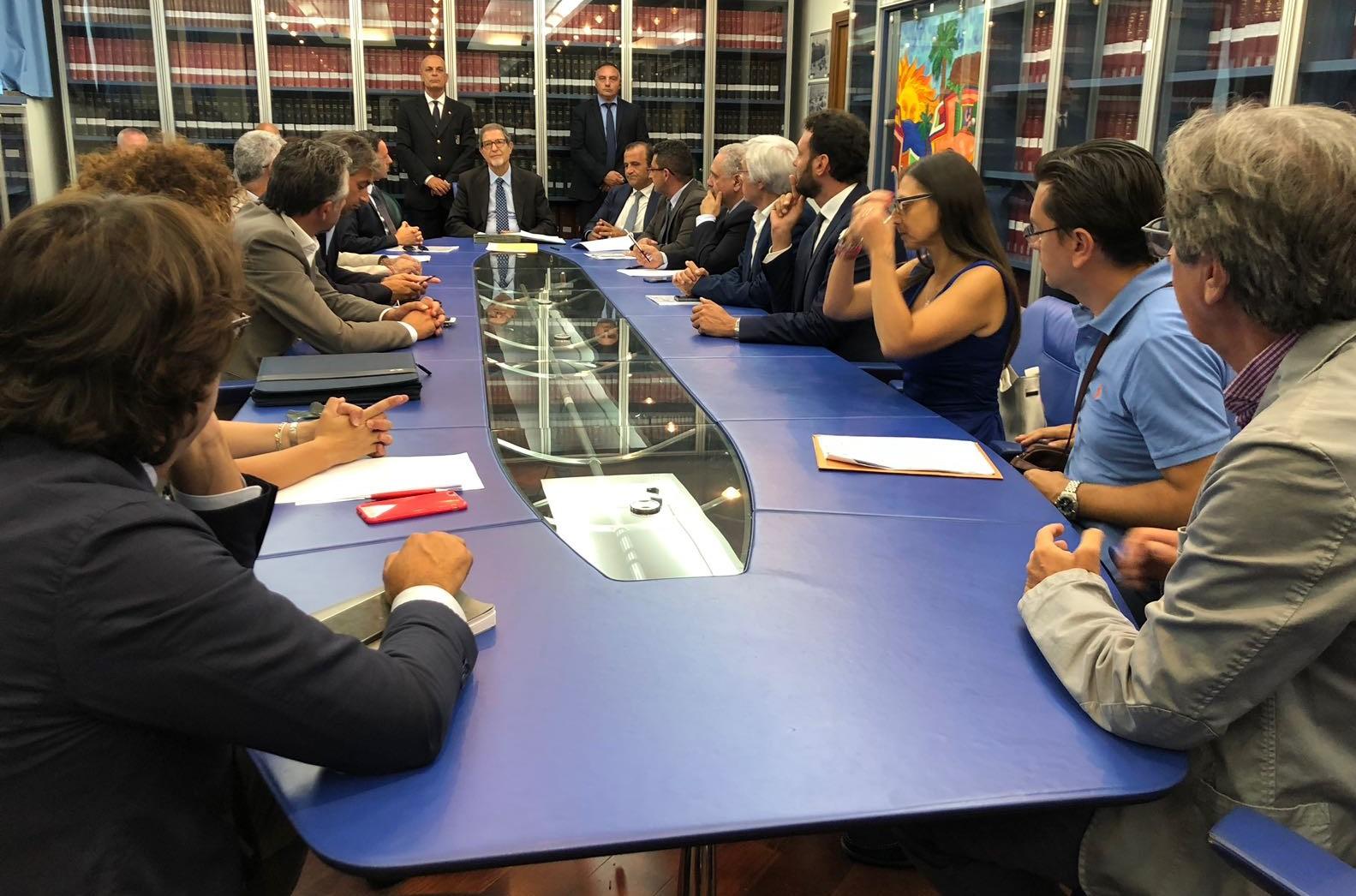 """Firmato a Palermo il """"Contratto di Costa"""" contro l'erosione delle coste del Sud Est"""