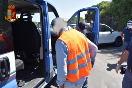 Catania, 3 parcheggiatori abusivi bloccati e sanzionati alla Plaja