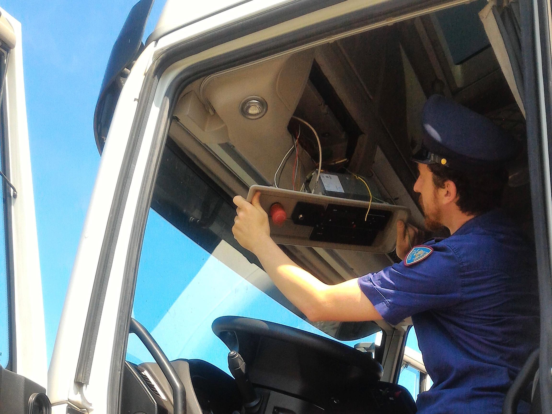 Lentini, manomette il tachigrafo di un camion: multa e denuncia