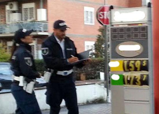 Truffe a Palermo, la polizia locale controlla 11 rifornimenti di benzina