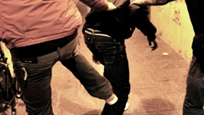 Commettono un furto a Rosolini, due romeni presi a bastonate da sei persone nelle campagne di Ispica