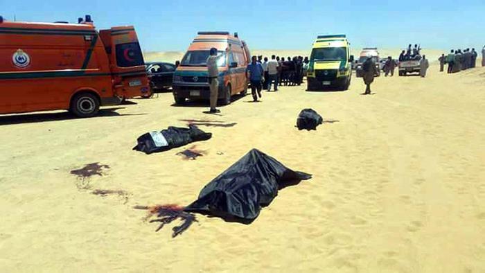 Egitto, attacco a bus di cristiani copti: 35 morti