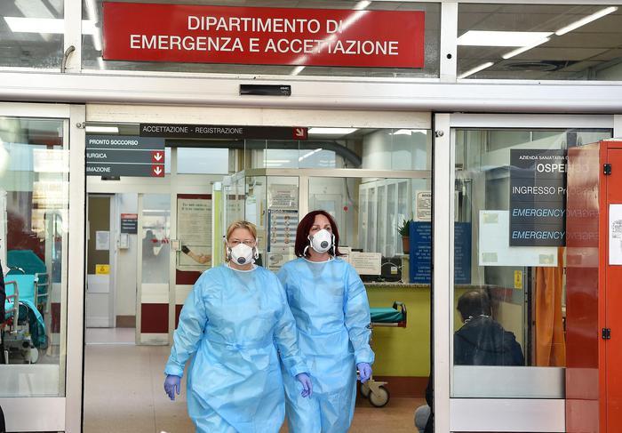 In 24 ore raddoppiano in Italia i contagi da coronavirus: più di 5000 i positivi al test