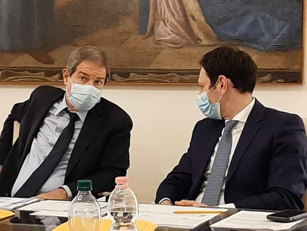 Contagi in Sicilia, 1.048 i nuovi positivi: Musumeci convoca una giunta