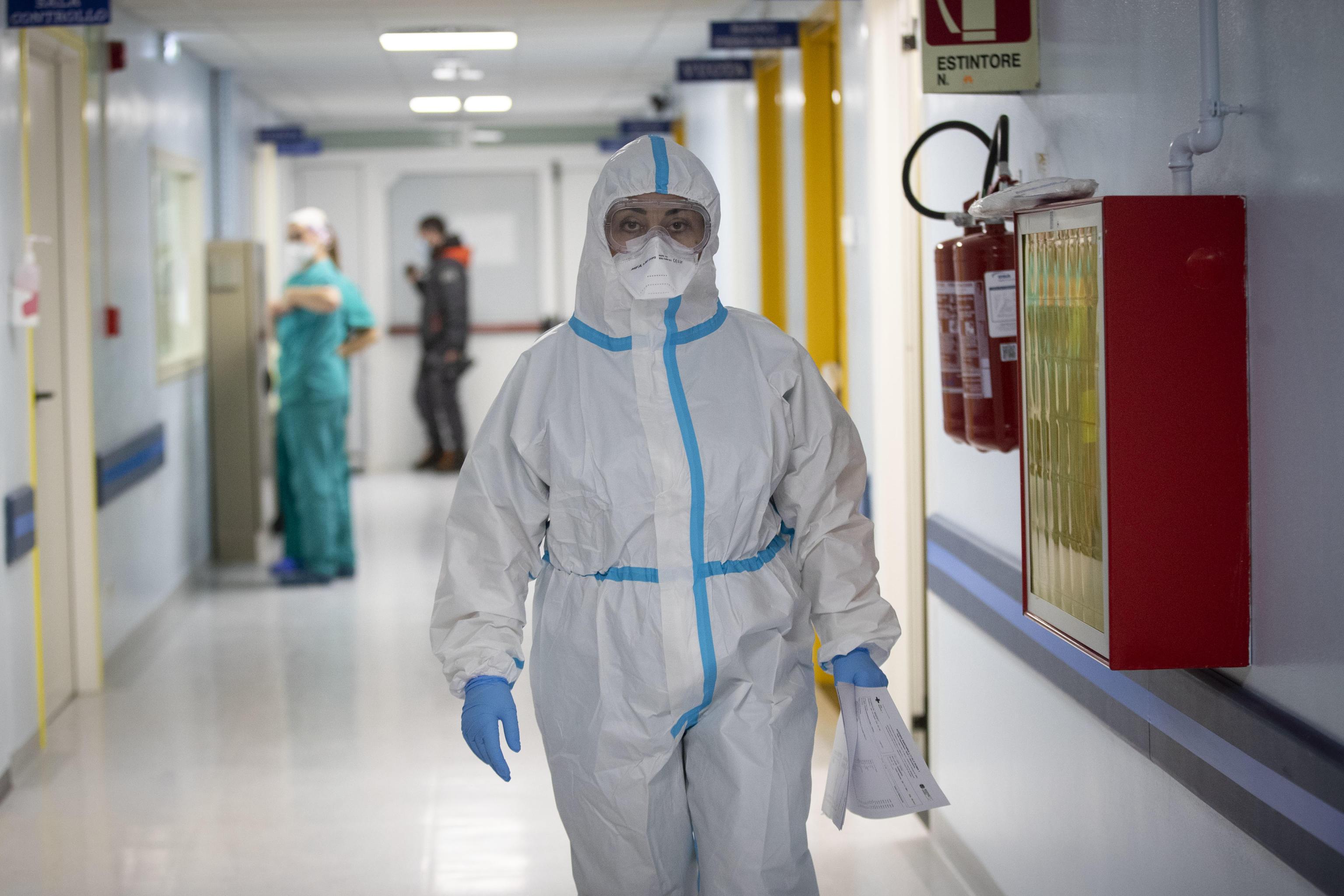 """Sondaggio UniPa al Policlinico: """"Vaccinare il 60% della popolazione vuol dire sconfiggere il covid"""""""
