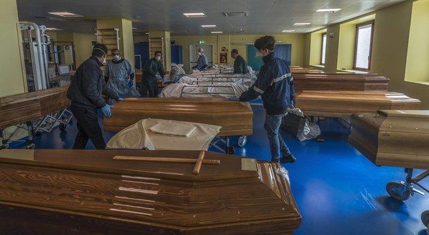 Coronavirus, più di 423 mila casi nel mondo: in Italia il doppio dei morti della Cina