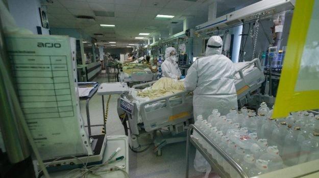 Covid in Sicilia, 783 nuovi casi e 13 le vittime: a Palermo 352 positivi