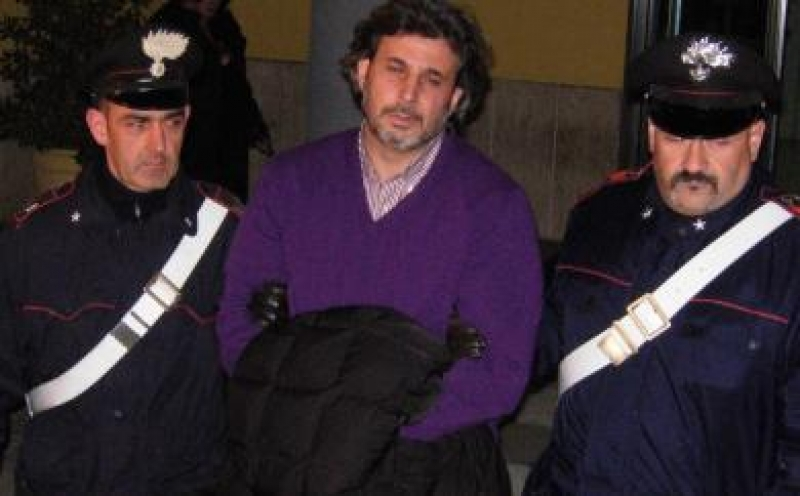Camorra, arrestato latitante del clan dei Casalesi: era in auto nel Casertano