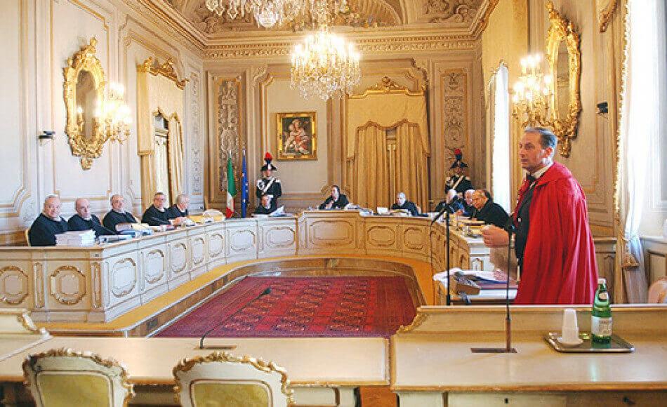 Pensioni d'oro per i Regionali, arriva lo stop della Consulta: tetto massimo 160 mila euro
