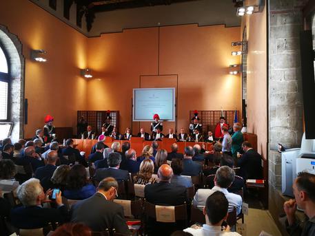 """Palermo, Corte conti: """"In aumento la spesa della Regione"""""""