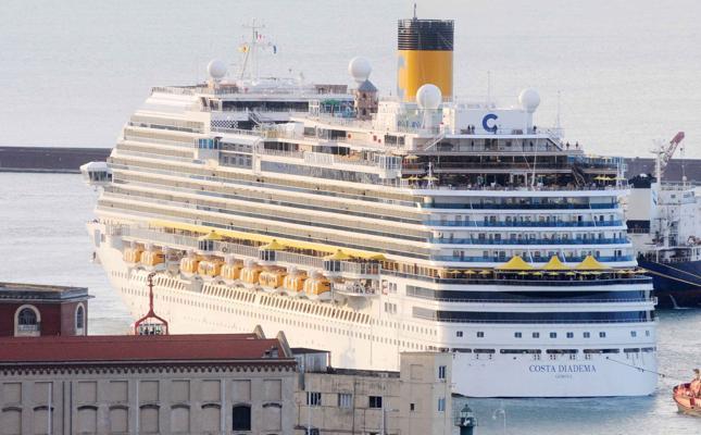 Turismo, Costa crociere annuncia nuovi scali a Palermo e Cagliari