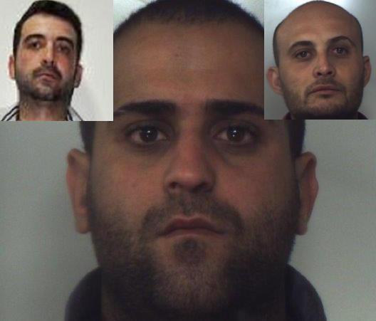 Armati e col volto coperto per rapine, arrestati nel Catanese