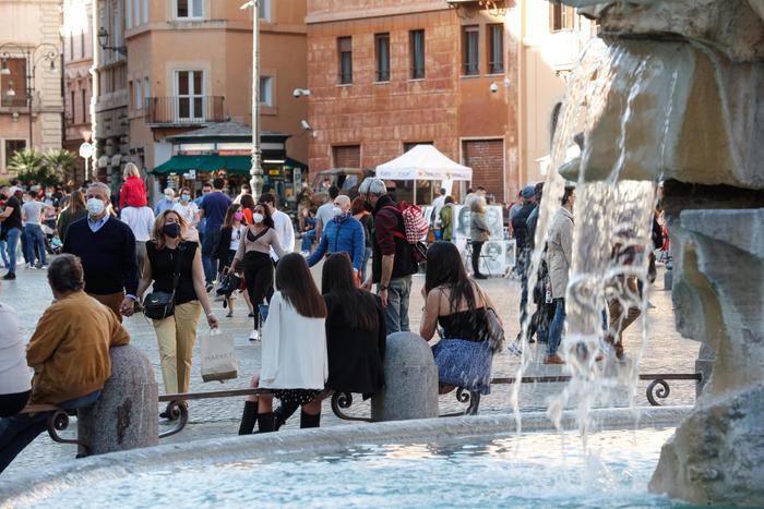 Covid Italia, 6.659 nuovi casi e 136 vittime: positività al 2,2%